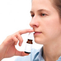 Neusdruppels of neussprays tegen een verstopte neus