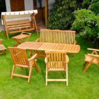 Tuinmeubelen in hout en kunststof