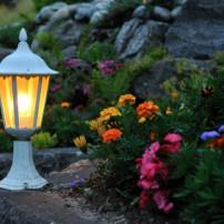 De aanleg van tuinverlichting