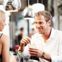 Hoe win je een vrouw met een relatie voor je?