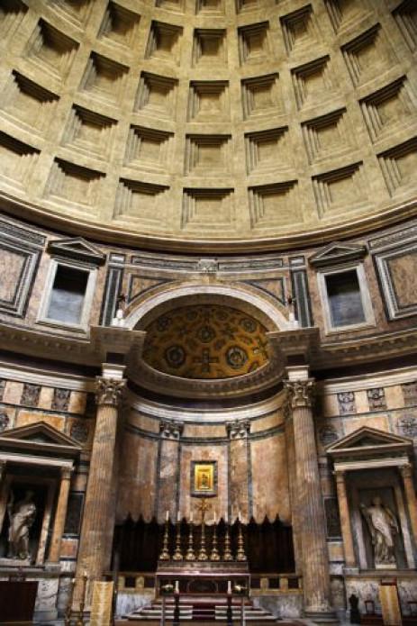 Interieur van het pantheon ingelicht - Whirlpool van het interieur ...