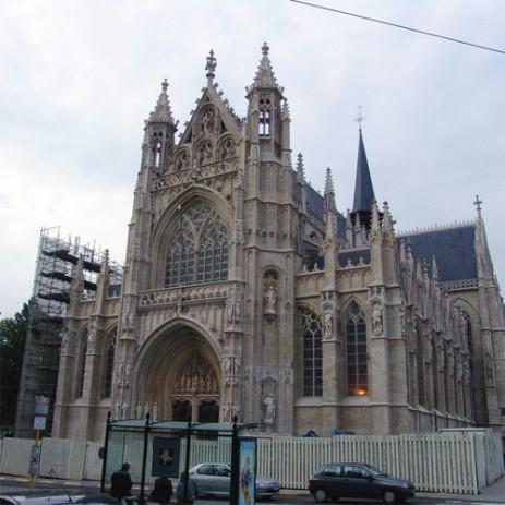 Voorkant van de Kerk van de Grote Zavel