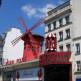 Voorkant van de Moulin Rouge